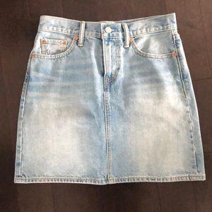Levi's jean skirt